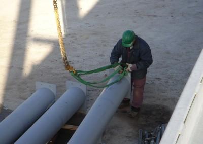 Montage-constructiebouw-te-Ulft-2010-2011-Het-uitzetten-en-plaatsen-van-het-gehele-metalen-frame-van-de-nieuwbouw-bedrijfshal-met-verschillende-hoogte-niveaus-07